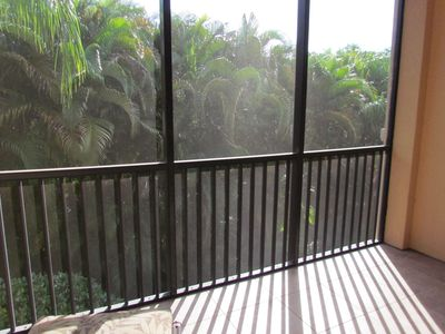 Photo for Naples Bay Resort Vacation Rental Close to 5th Ave.