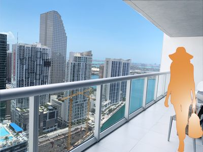 ***** 5-Star Amenities @ Luxury Icon Brickell @ Discount Rates!