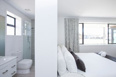 King room with ensuite