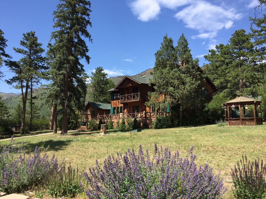 bed and breakfast lodge in the mountains at - vrbo