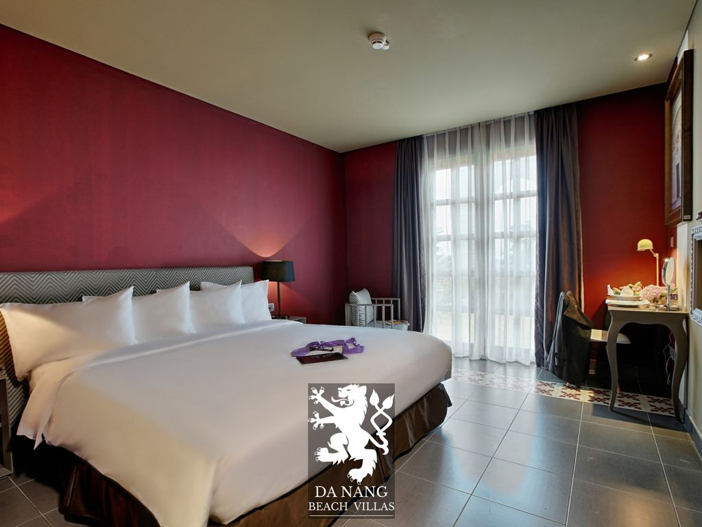 Standard room with King Size Bed - Mercure Danang French Village