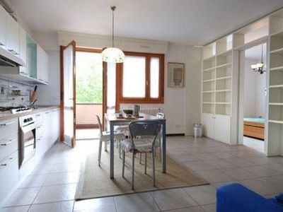 Photo for Fantin apartment in Bologna with WiFi, air conditioning, balcony & lift.
