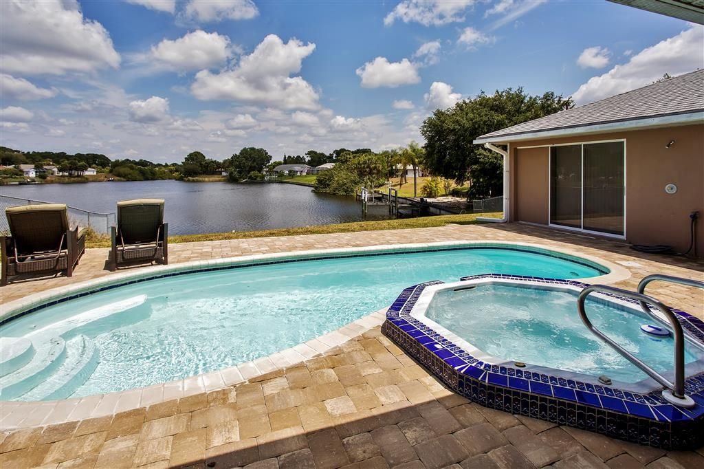 Port charlotte home w views heated pool spa port - Florida condo swimming pool rules ...