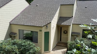 Wintergreen Townhouse Convenient To Ski Slopes with Wifi
