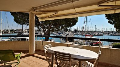Photo for superb p3 facing the port, large terrace