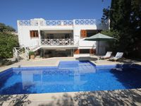 A wonderful large villa with plenty of room for everyone.