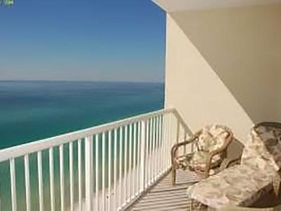 Photo for Stunning 2-Bed Condo Right on the Beach!