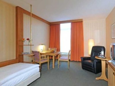 Photo for Single Room 1 onine - Country Park Hotel Leipzig / Brehna