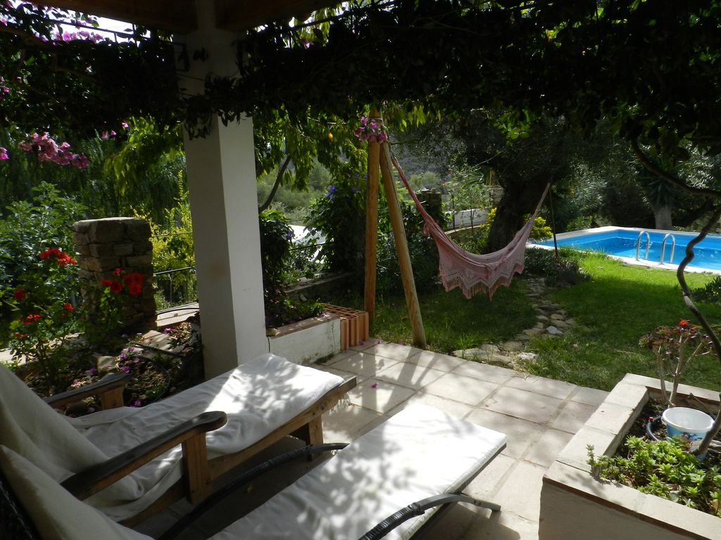villa with private pool pet family friendly total privacy in