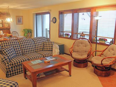 Photo for Valley-view condo w/large kitchen, whirpool tub and private back patio