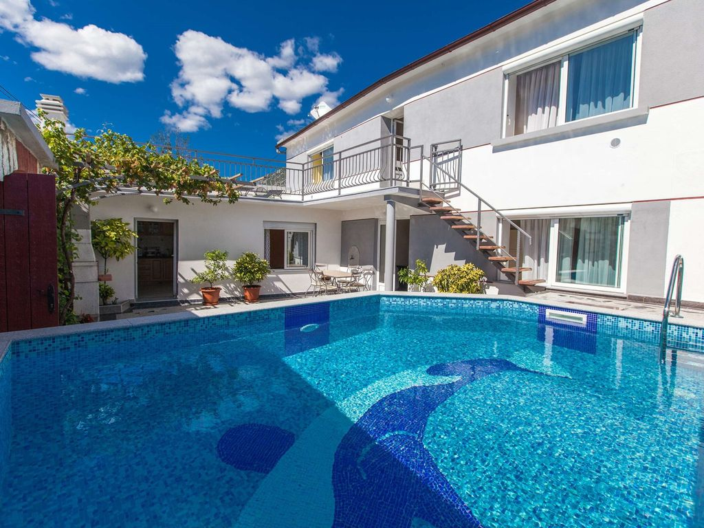 Fh Cricri529 Holiday House With Outdoor Swimming Pool