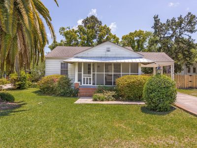 Photo for Updated 3 Bedroom Cottage with Fenced-In Back Yard on St. Simons Island