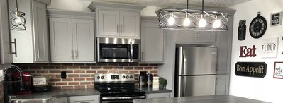 Photo for Grandview Suite, stunning remodeled apartment in ideal location!