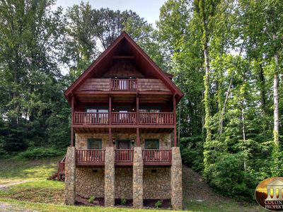 Photo for Hillbilly Deluxe - 2BR/2.5BA - Sleeps 7