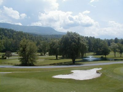 Golfer's Paradise & Close to Rocky Top Sports-Mountain and Fairway Views