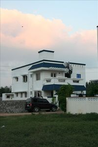 House by the beach in Chennai. Quiet, calm and spacious. Separate unit.