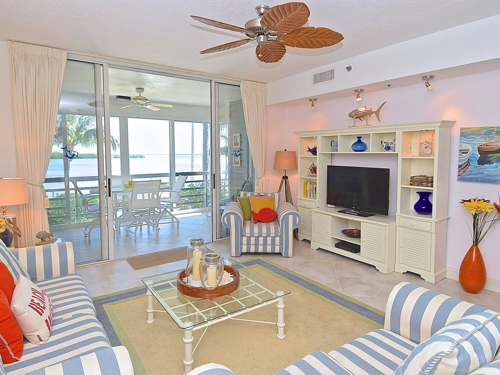 Longboat Key Condo Al Light And Bright Living Room With High Ceilings