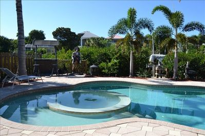 Pool, Hot Tub, Grill, Patio Furn. 4 chairs, 2 lounge, table, fence in yard