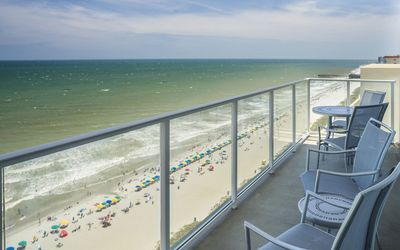 Photo for Ocean 22 by Hilton 3 bedrm Oceanfront Suite week of July 13-20 2019 sleeps 8