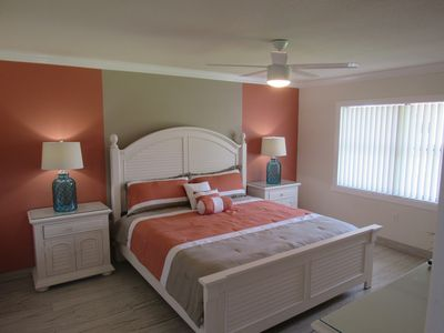 Photo for Dazzling 2BR/2BA Condo - Mins from IMG Academy. Close to Beaches/Anna Maria/SRQ