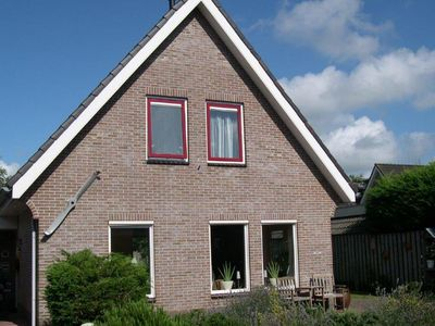 Photo for Detached holiday home with spacious garden in Egmond aan den Hoef, near the sea