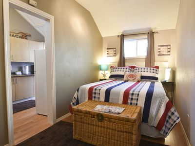 Photo for Cottage Americana - Quiet, Clean & Cozy - near Redwoods & Beaches