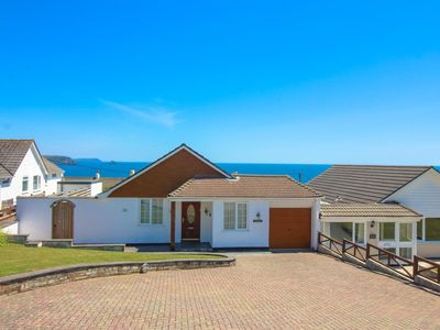 Spacious with great views of Gerrans Bay!