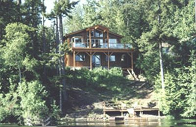 Photo for Pender Island - Magic Lake House - LAKEFRONT