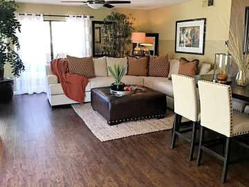 Gorgeous and newly remodeled NEW N. SCOTTSDALE condo.