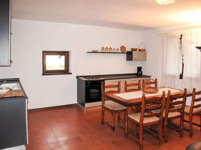 Photo for Cosy apartment for 10 people with TV, balcony, pets allowed and parking
