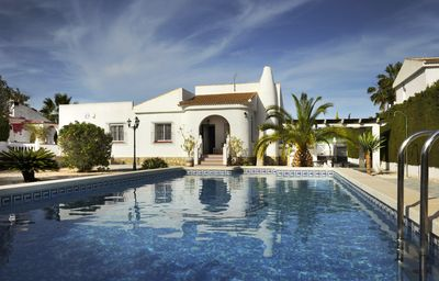 Photo for Lovely detached villa with private pool on spacious plot