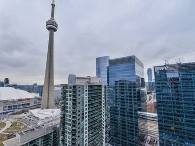 Photo for *Luxury* 2 Bedroom 23rd Floor Condo- CN Tower View