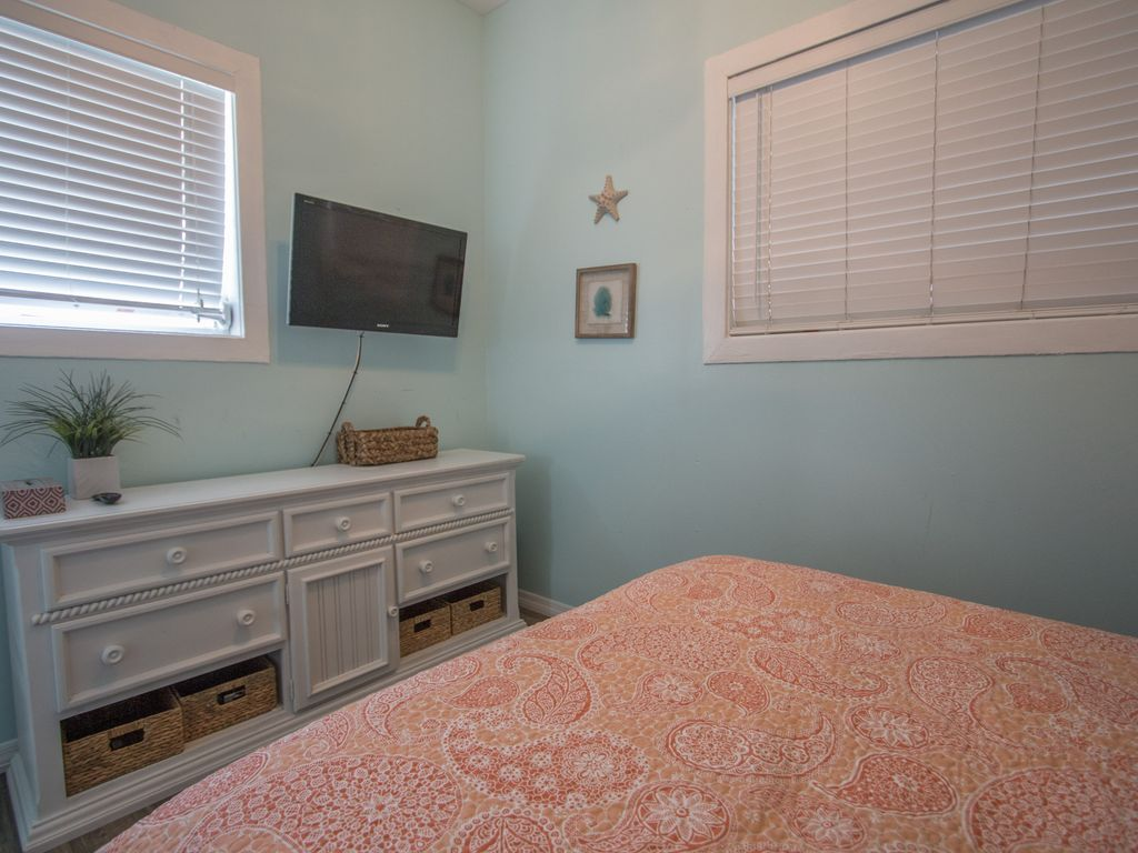 Cambria Clearwater Beach Rental 10% off any Jan or Feb dates that are open