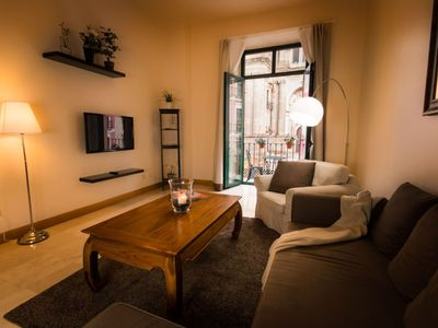 Photo for Catedral Balcony apartment in Centro with WiFi, air conditioning, balcony & lift.