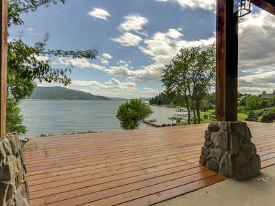 Photo for Spacious lakefront home w/ 200 ft of lake frontage & great views