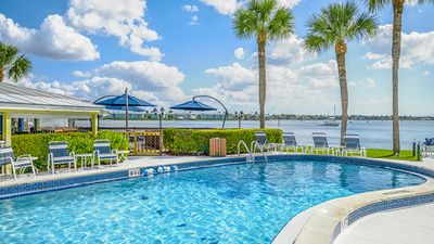Photo for Naples (Old Naples)  Charter Club. Fantastic location!  Pure Florida!