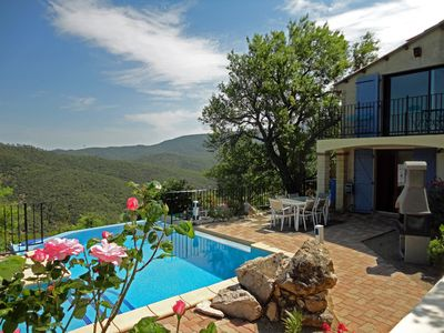 Heated infinity pool and panoramic views of the valley