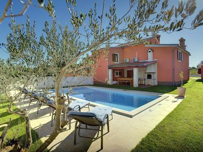 Photo for Perfect villa with private pool, 4 bedrooms, 3 bathrooms, air conditioning, WiFi, terrace, BBQ, table tennis and a small children's playground