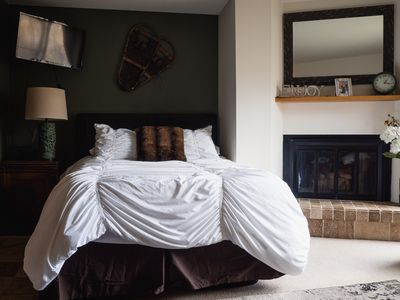 Photo for Cozy Getaway For Adventure Or Relaxation-Close To Everything