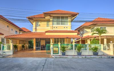 Photo for Comfortable and spacious Villa in quiet, secure up market Housing Estate.