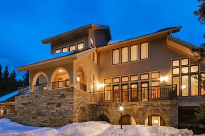 Welcome to Timberlane Lodge.  - The perfect family home with the perfect proximity to town.