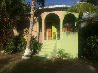 Charming, quiet mountain top villa: Experience Jamaica Like a Jamaican