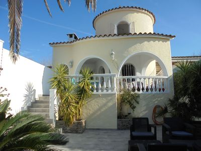 Photo for VILLA IN THE CANAL WITH AMARRE, PRIVATE SWIMMING POOL, WIFI, AIR CONDITIONING