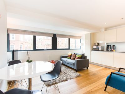 Photo for Spacious 1 Bedroom Apartment in Kensington - A3