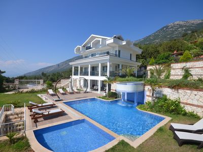 Photo for Five Bedroom Luxury Villa