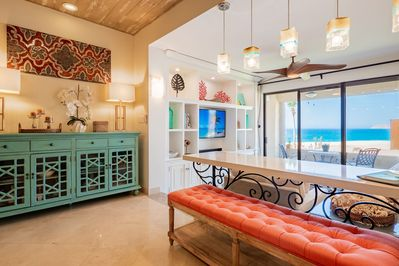Welcome to your gracious home away and the amazing ocean views!...