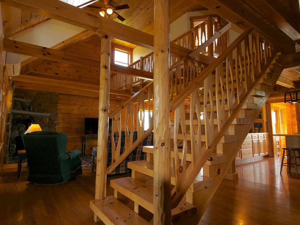 Property Image13 The MOST Private Beautiful Log Home For Up To 12 Guests
