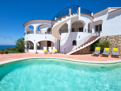 Photo for Stunning private villa for 8 people with WIFI, A/C, private pool, TV and parking