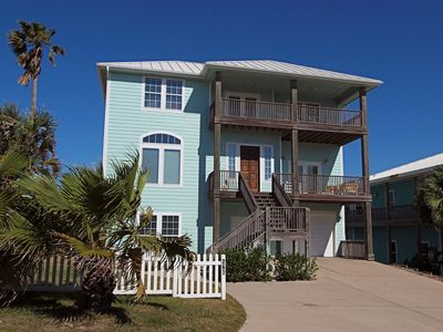 Photo for MacBeach House, relax on the 2nd or 3rd deck and watch the waves.  Elevator