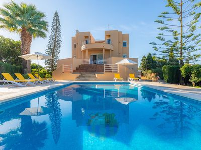 Photo for Villa With Pool in Idyllic Location - Ca Na Xisca
